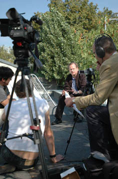 Lawrence Lessig being interviewed at WOS4